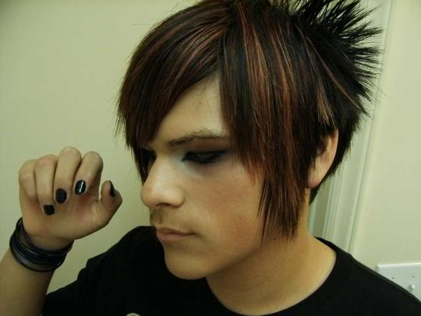 emo haircuts for girls with medium hair. emo hairstyles for girls with